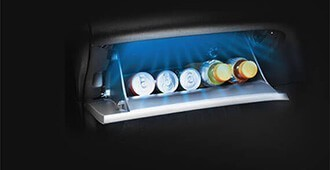 Glove box with cooling function